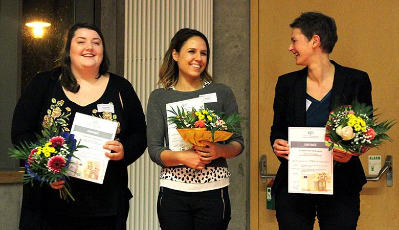 Die Posterpreisträgerinnen, v.l.n.r.: Lisa Ferchland, Giulia Bruno und Dr. Ulrike Frank