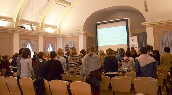 Publikum beim Vortrag von Prof. Voigt-Zimmermann