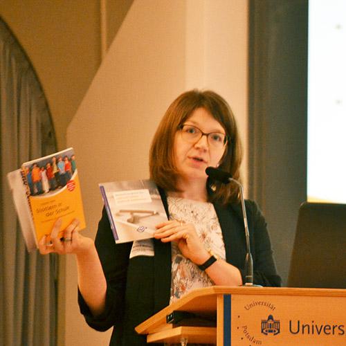 Martina El Meskioui beim Vortrag